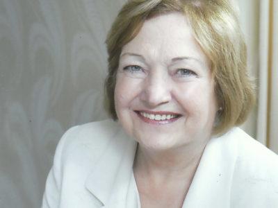 Mairead Maguire is ambassadeur van One planet- One people.